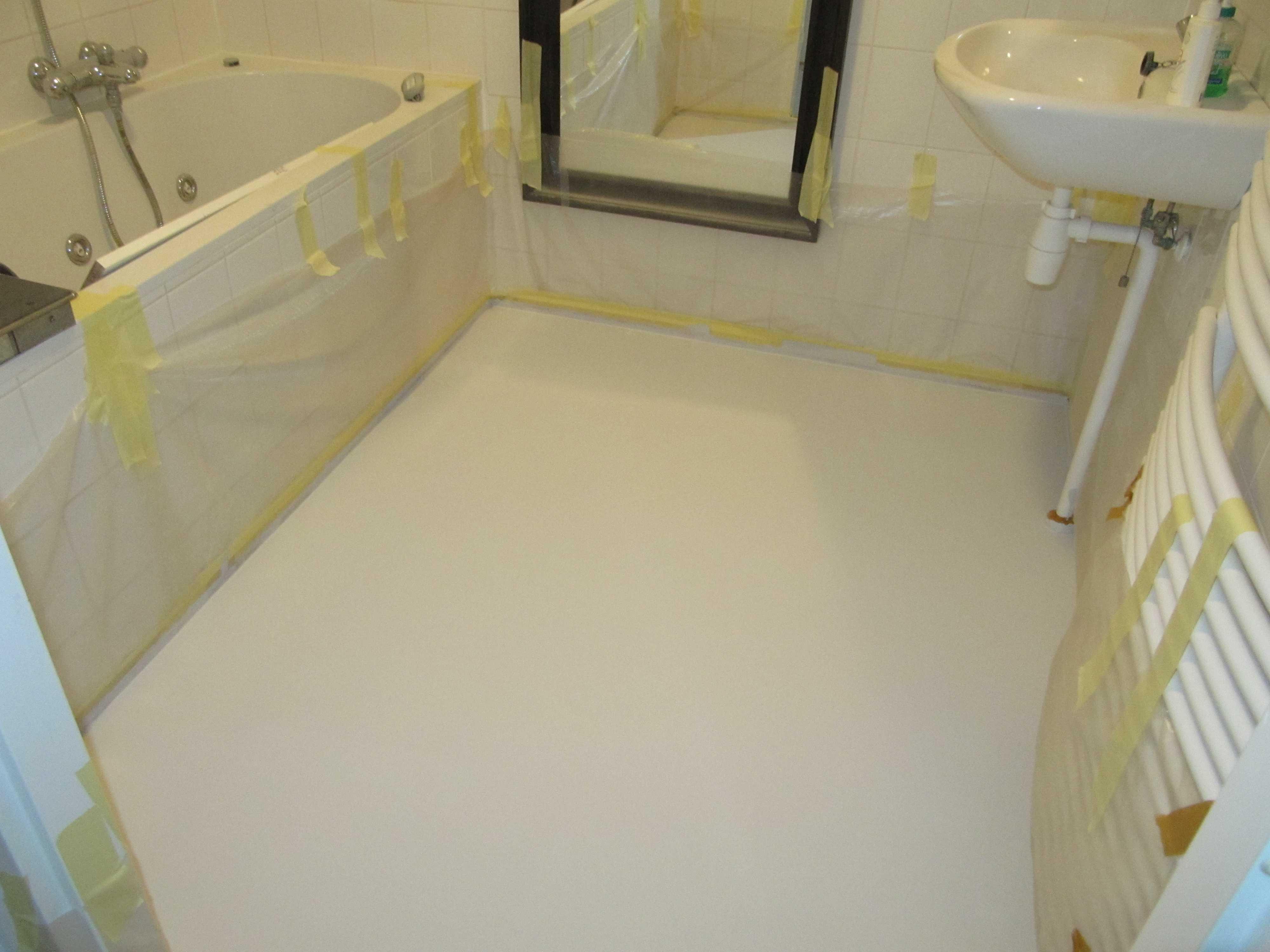 Portfolio - Badkamer witte vloer | System Floors